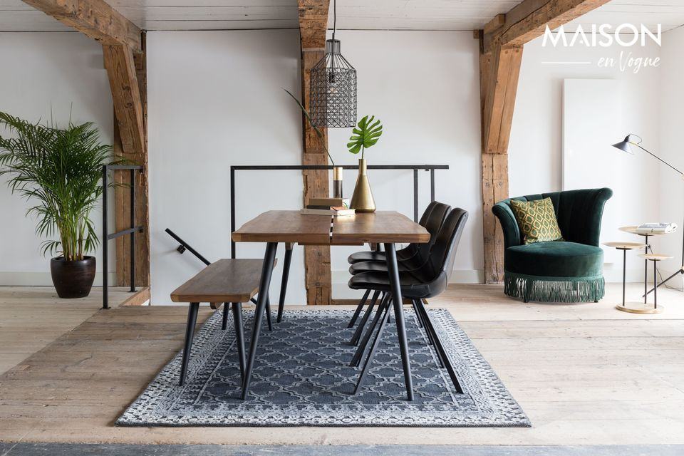 Perfekt kombiniert mit dem passenden Alagon-Tisch kann sie auch allein in der Eingangshalle oder