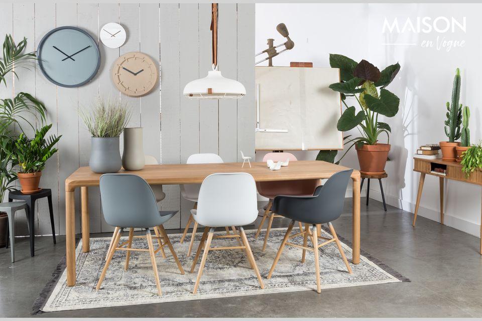 Eine Mischung verschiedener Stile für einen originellen Stuhl