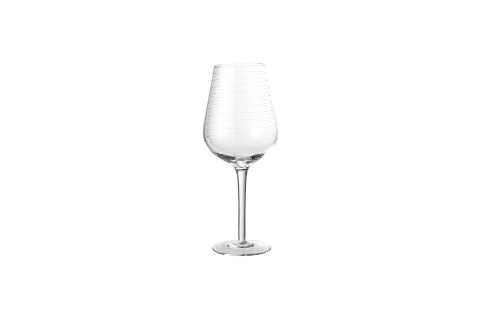 Ein symmetrisches Weinglas