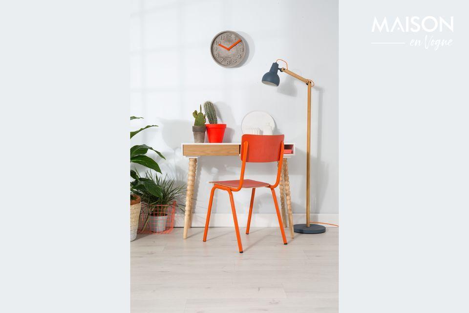 Dieser Back to School-Stuhl wird Ihrer Inneneinrichtung Frische verleihen und gleichzeitig Ihre