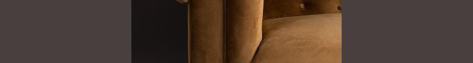 Materialbeschreibung Chester-Sofa aus goldbraunem Samt