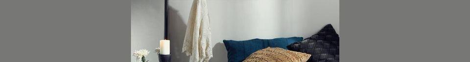 Materialbeschreibung Großes Regal aus Rattan Shelfi