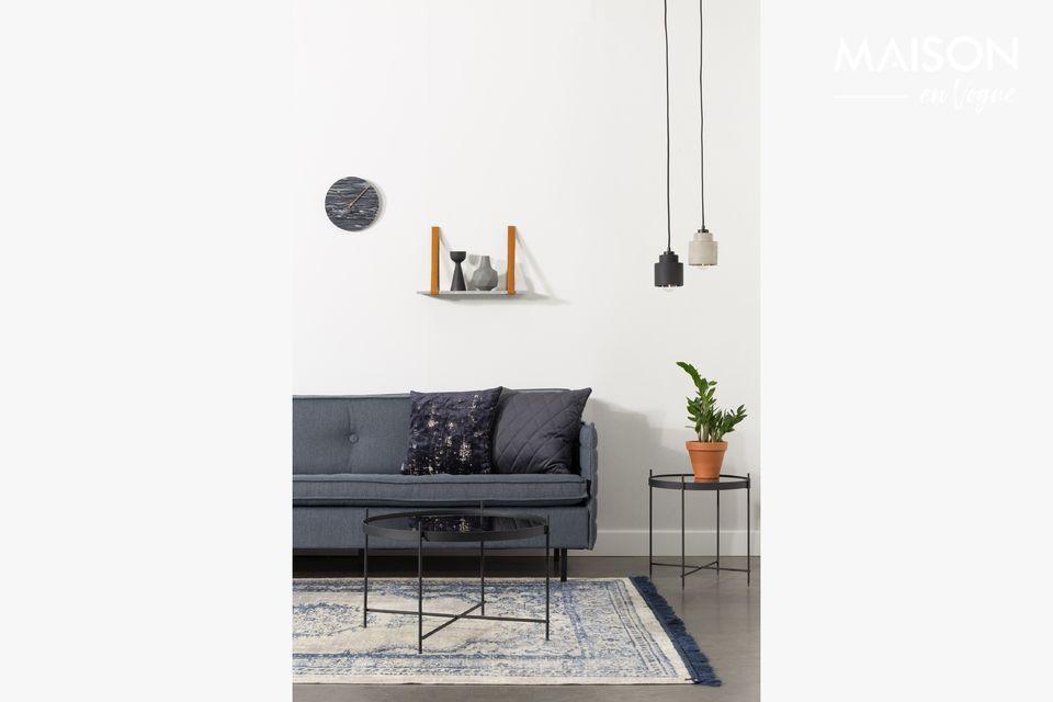 Die schwarze Aufhängung Left kann über einem Tisch im Esszimmer oder über einer Insel in Ihrer