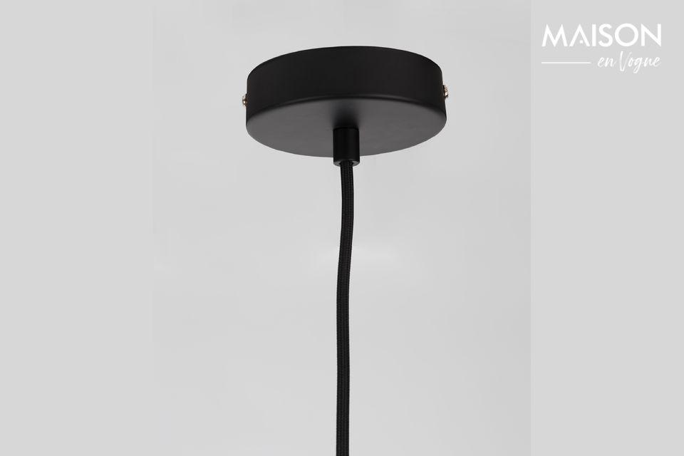 Sie kann mit 2, 3 oder 4 Stück installiert werden und schafft wie Scheinwerfer mehrere Lichtpunkte