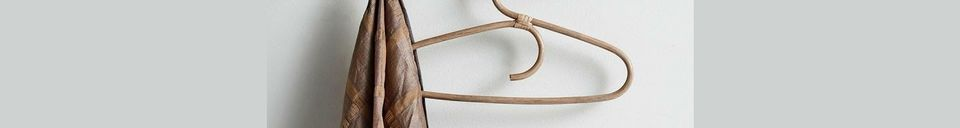 Materialbeschreibung Holzhaken mit 6 Messingaufhängungen Edgy
