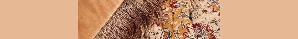 Materialbeschreibung Kissenbezug Feuxhy aus terrakotta-farbenem Samt