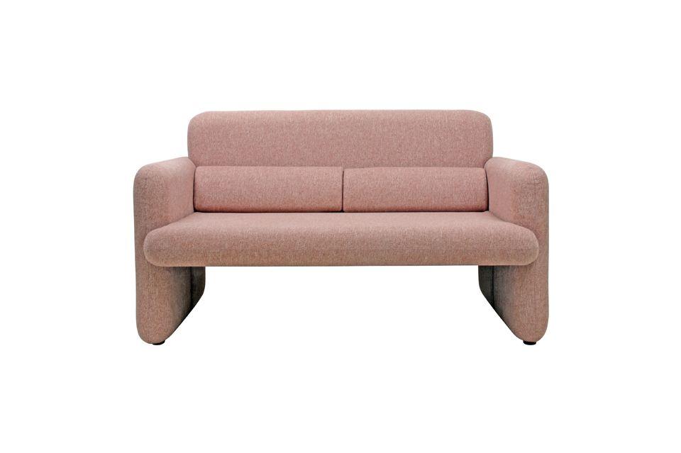 Viel Stil für dieses schöne Sofa, das mit hellem, korallenfarbenem Polyester bezogen ist