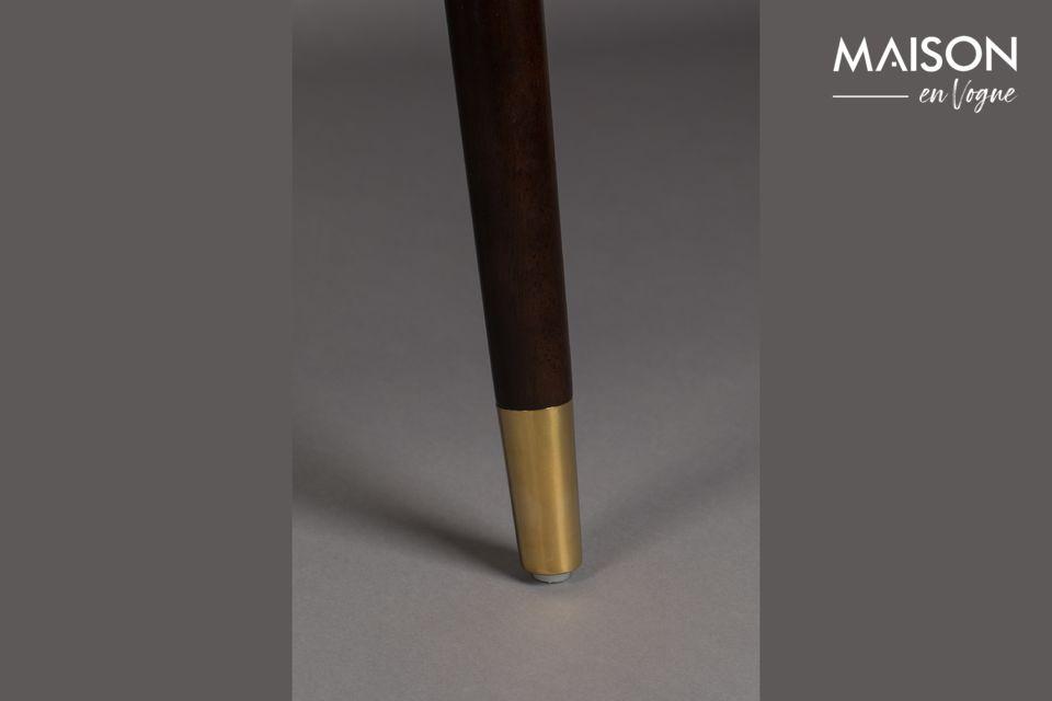 Mit seinem intensiven Blauton ist der Loungesessel Dolly ein modernes und originelles Stück