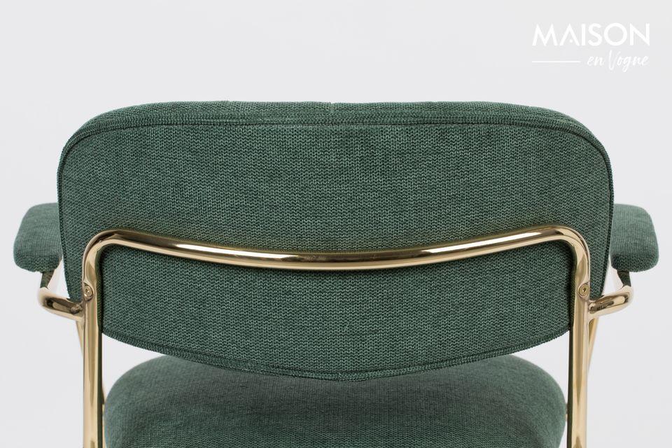 Dieser schöne, geräumige und bequeme Stuhl ist eine Mischung aus Polyester (95%) und Nylon (5%)