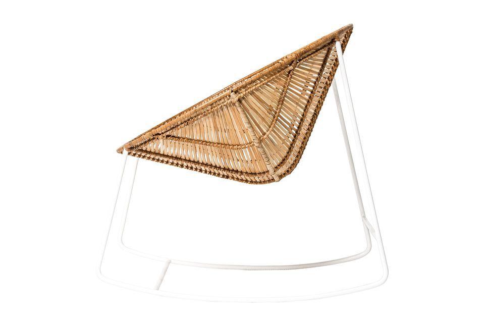 Entscheiden Sie sich für den nordischen Stil mit dem Schaukelstuhl Orinoco der dänischen Marke
