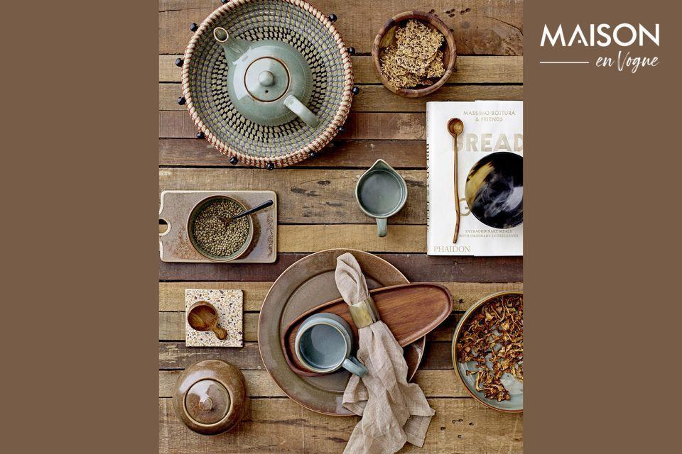 Die Authentizität einer Teekanne aus Steingut