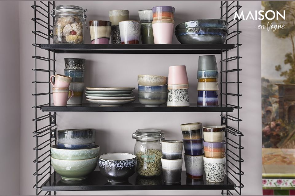 Diese 6 Becher aus Keramik sind von der Dekoration der 70er Jahre inspiriert