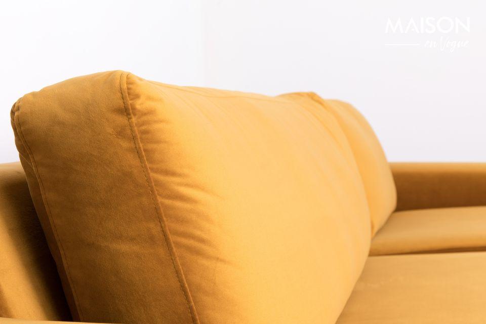 Seine massiven Kieferbeine tragen einen großzügigen Sitz, ideal zur Unterstützung des Rückens