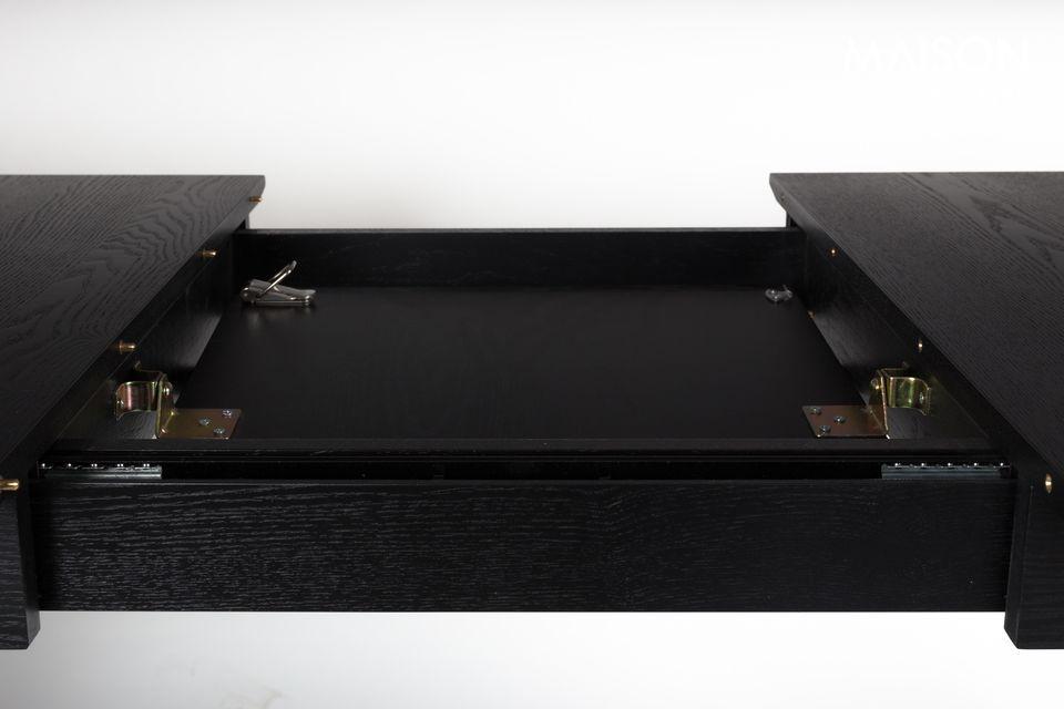 Dies bietet Zuiver mit dem Tisch Glimps aus Furnier und massiver schwarzer Esche